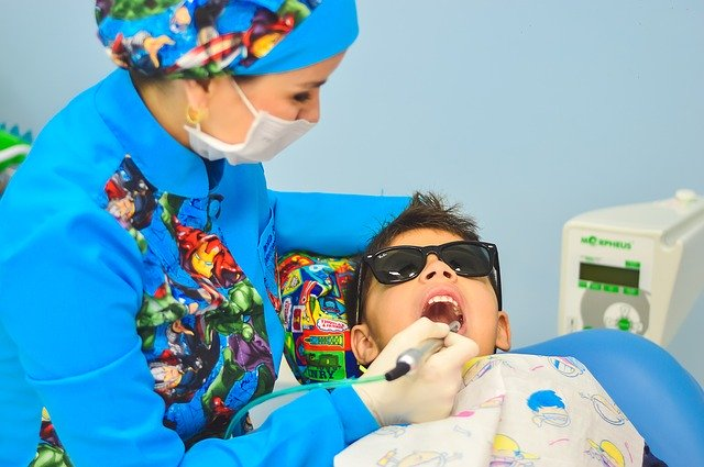 Kinder Zahnarzt